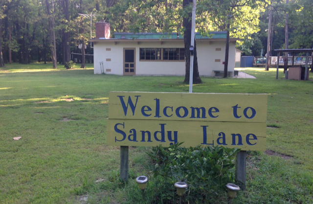 Sandy Lane Club Kansas sign